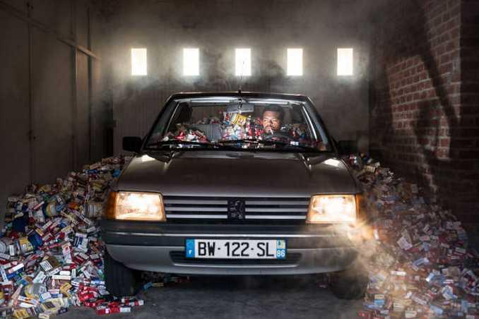 Φωτογράφος δείχνει τι θα συνέβαινε αν για 4 χρόνια δεν πετούσατε τα σκουπίδια σας (5)