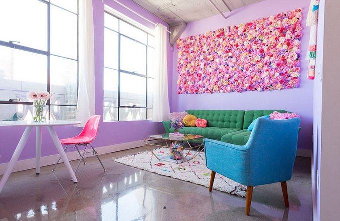Αυτή η γυναίκα έχει ίσως το πιο πολύχρωμο διαμέρισμα που έχετε δει (1)