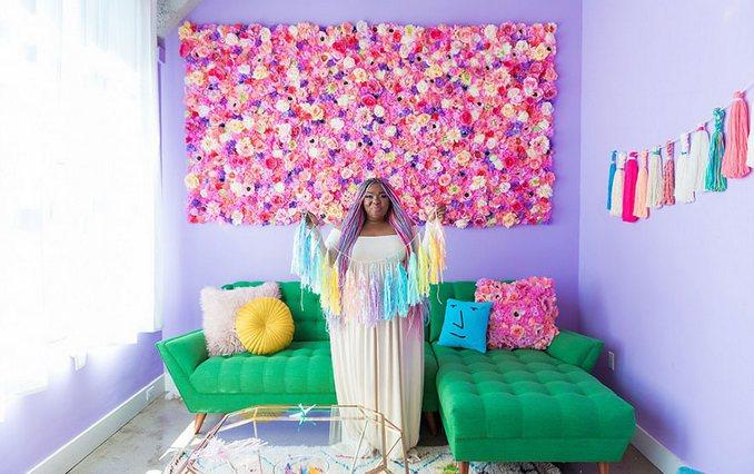 Αυτή η γυναίκα έχει ίσως το πιο πολύχρωμο διαμέρισμα που έχετε δει (2)