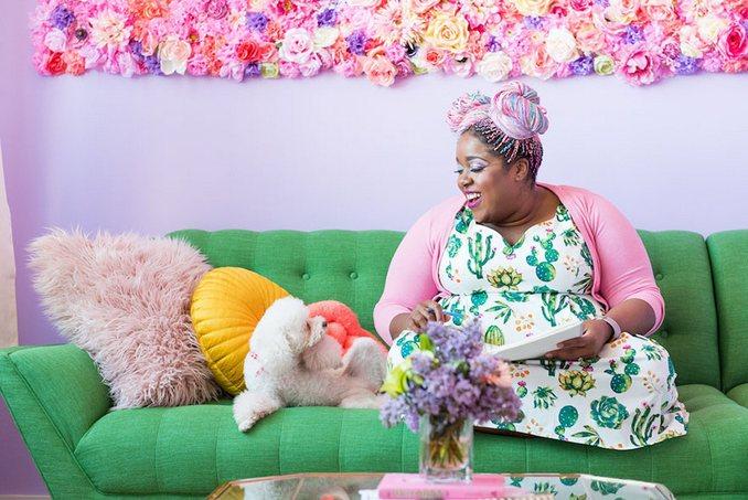 Αυτή η γυναίκα έχει ίσως το πιο πολύχρωμο διαμέρισμα που έχετε δει (20)