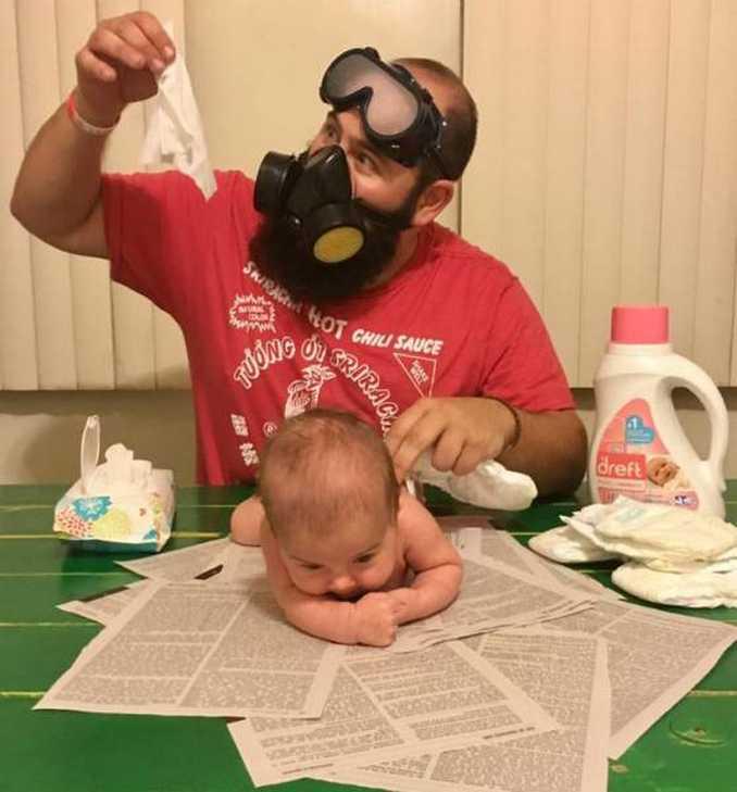 Τρελός μπαμπάς και η 9 μηνών κόρη του σε ξεκαρδιστικές φωτογραφίες (4)