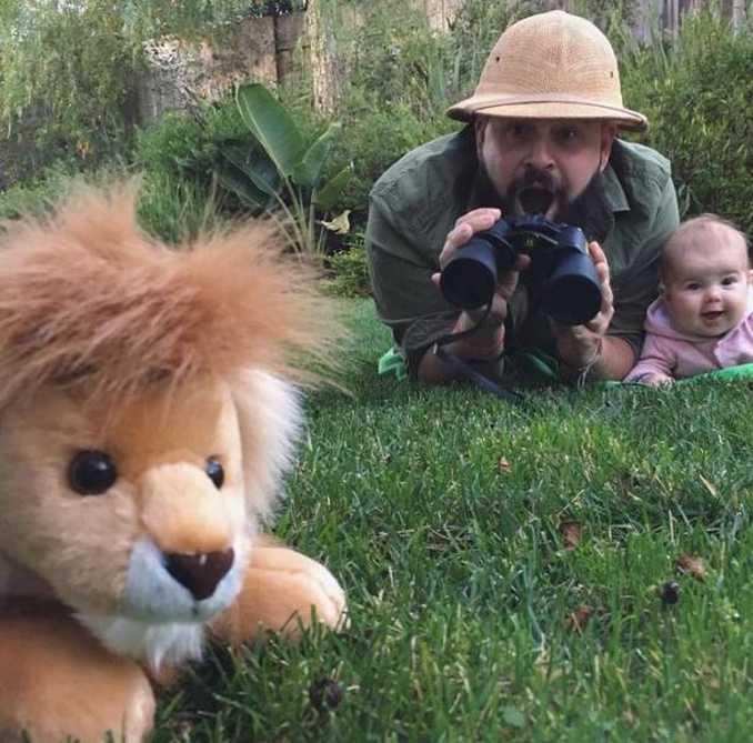Τρελός μπαμπάς και η 9 μηνών κόρη του σε ξεκαρδιστικές φωτογραφίες (11)