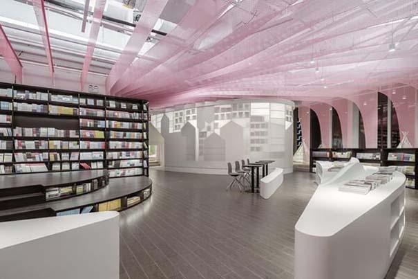 Ένα από τα πιο εντυπωσιακά βιβλιοπωλεία στον κόσμο (5)