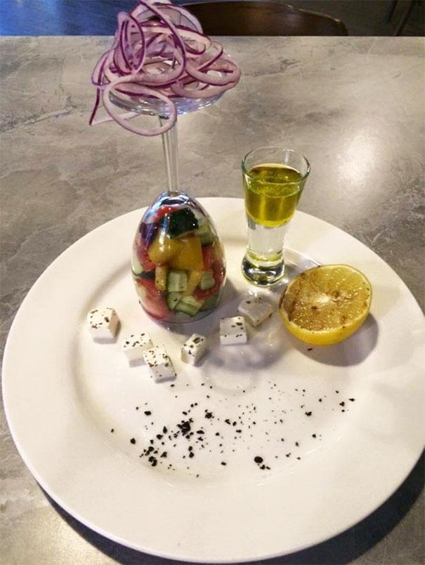 Εστιατόρια που ίσως το παράκαναν στην προσπάθειά τους για πρωτότυπο σερβίρισμα (15)