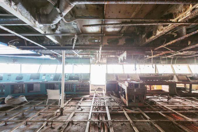 Ένας φωτογράφος μπήκε στο ναυάγιο του κρουαζιερόπλοιου Costa Concordia (13)