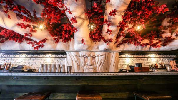 Game of Thrones bar (3)