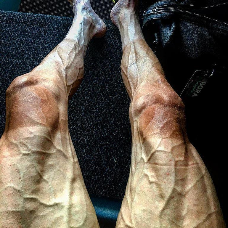 Τα πόδια ενός ποδηλάτη μετά το Tour de France | Φωτογραφία της ημέρας