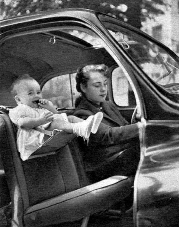 Παιδικό κάθισμα αυτοκινήτου από την δεκαετία του 1940 | Φωτογραφία της ημέρας