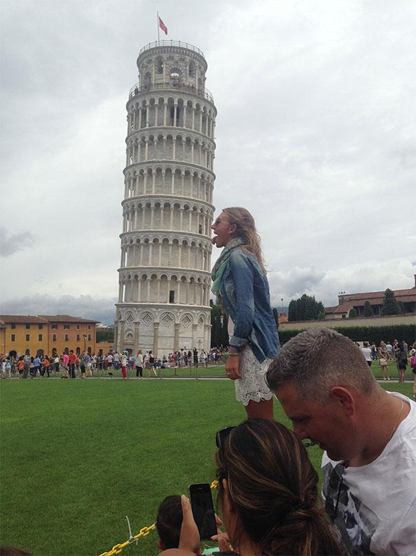 Ποζάροντας με τον Πύργο της Πίζας (22)