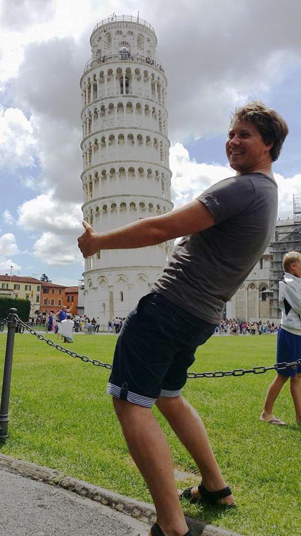 Ποζάροντας με τον Πύργο της Πίζας (27)