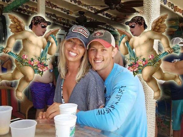 Ζευγάρι ζήτησε βοήθεια για να σβήσει έναν τύπο με το Photoshop (7)