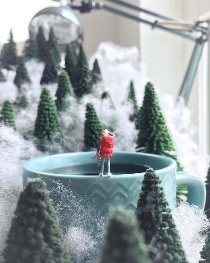 Δημιουργεί εκπληκτικές σκηνές στο γραφείο του χρησιμοποιώντας καθημερινά αντικείμενα και μινιατούρες (5)