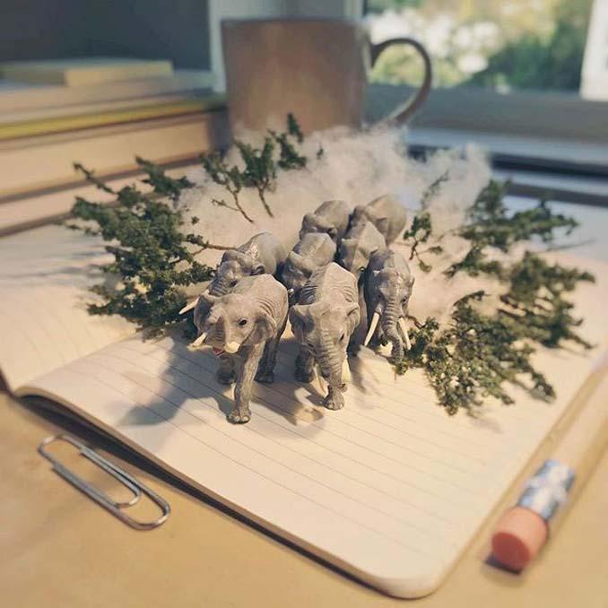 Δημιουργεί εκπληκτικές σκηνές στο γραφείο του χρησιμοποιώντας καθημερινά αντικείμενα και μινιατούρες (11)