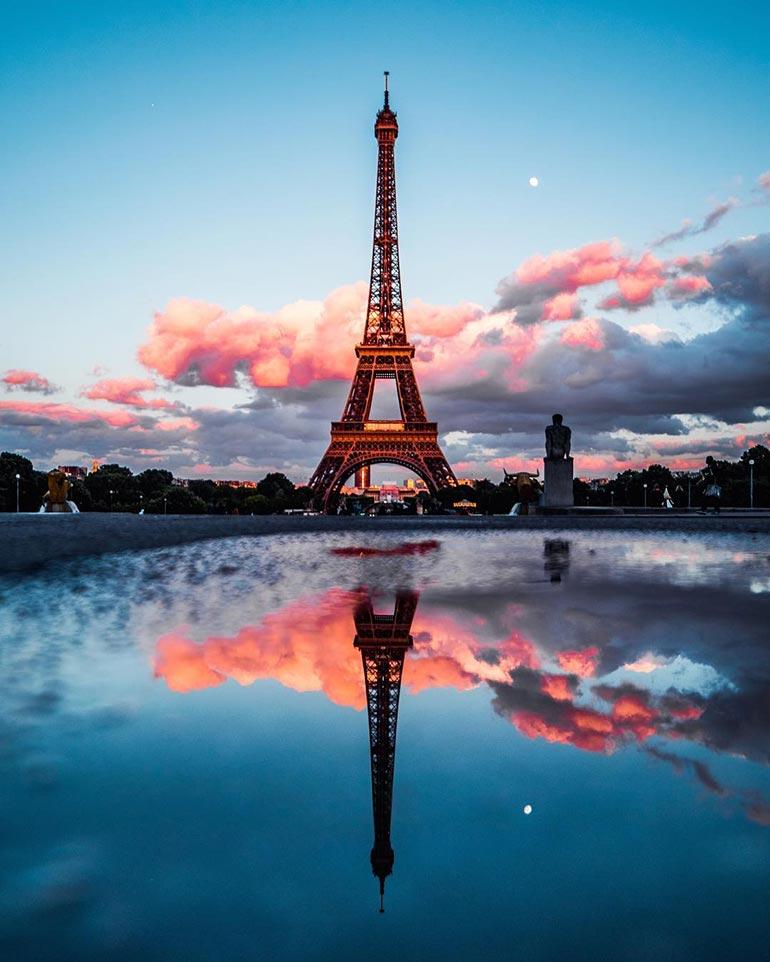 Ο Πύργος του Άιφελ και η αντανάκλαση του | Φωτογραφία της ημέρας