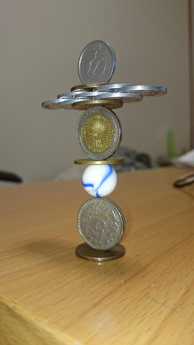Όταν έχεις την μαγική ικανότητα να ισορροπείς πράγματα | Φωτογραφία της ημέρας