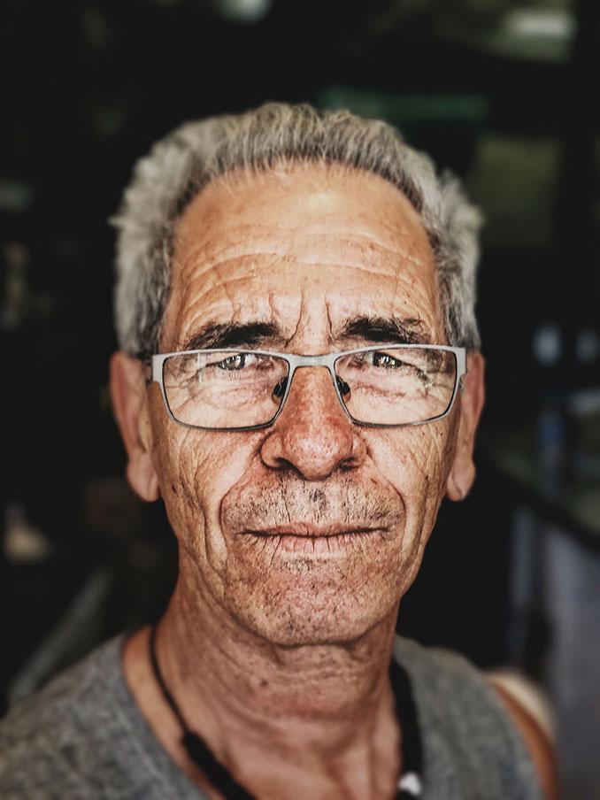 Χρησιμοποίησε κουτί από burger και το iPhone του για να φωτογραφήσει πορτρέτα (9)