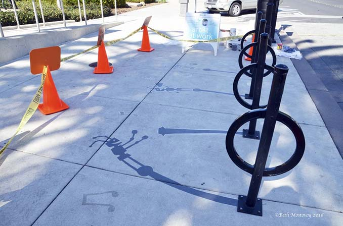 Street artist σχεδίασε ψεύτικες σκιές για να μπερδέψει τους περαστικούς (10)