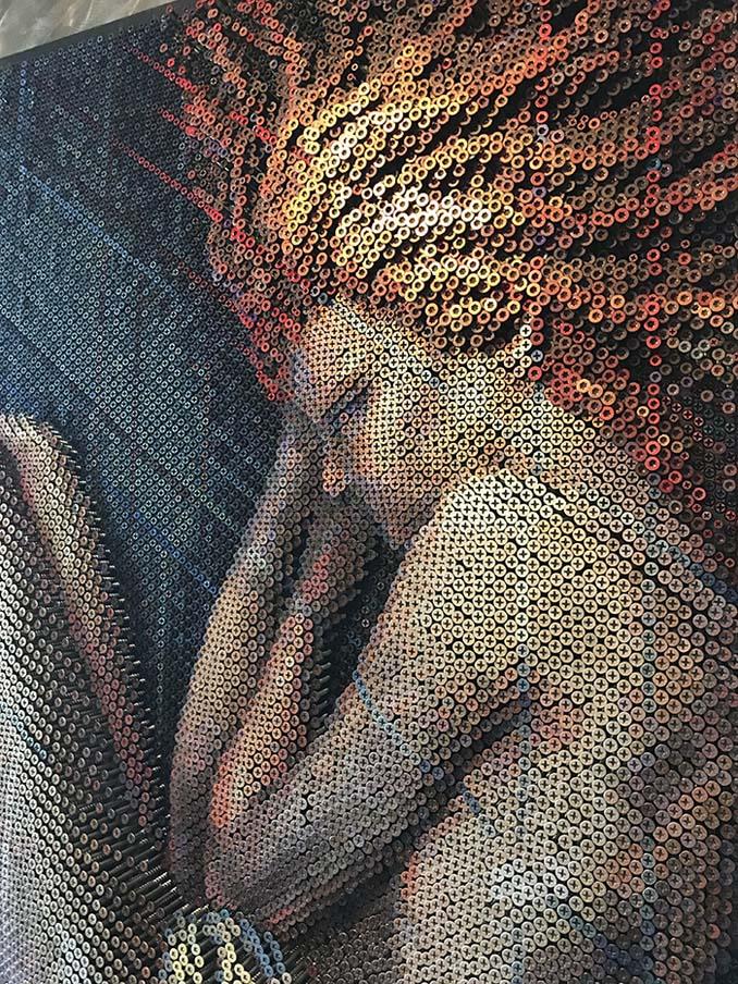 Καλλιτέχνης δημιουργεί εντυπωσιακά πορτρέτα χρησιμοποιώντας 20.000 βίδες (4)