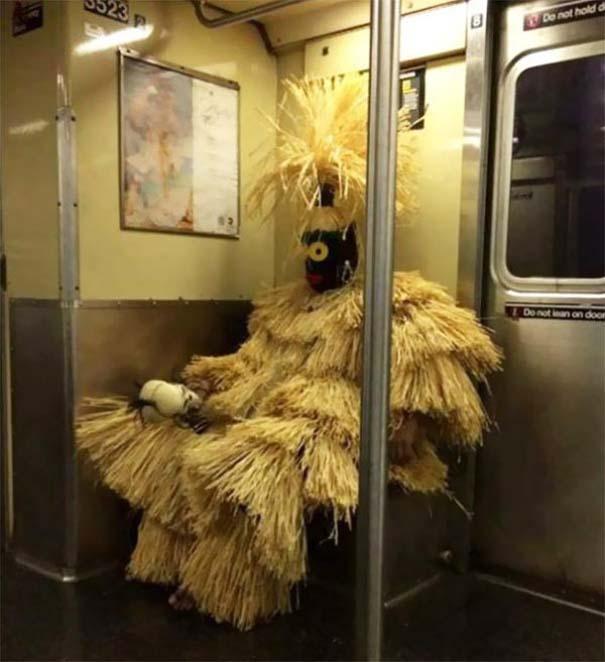 Παράξενες και κωμικοτραγικές φωτογραφίες στα μέσα μεταφοράς #27 (8)