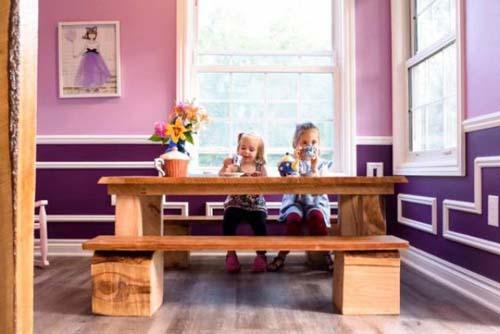 Μπαμπάς με κατασκευαστική εταιρεία έφτιαξε επικό κουκλόσπιτο για τις κόρες του (9)