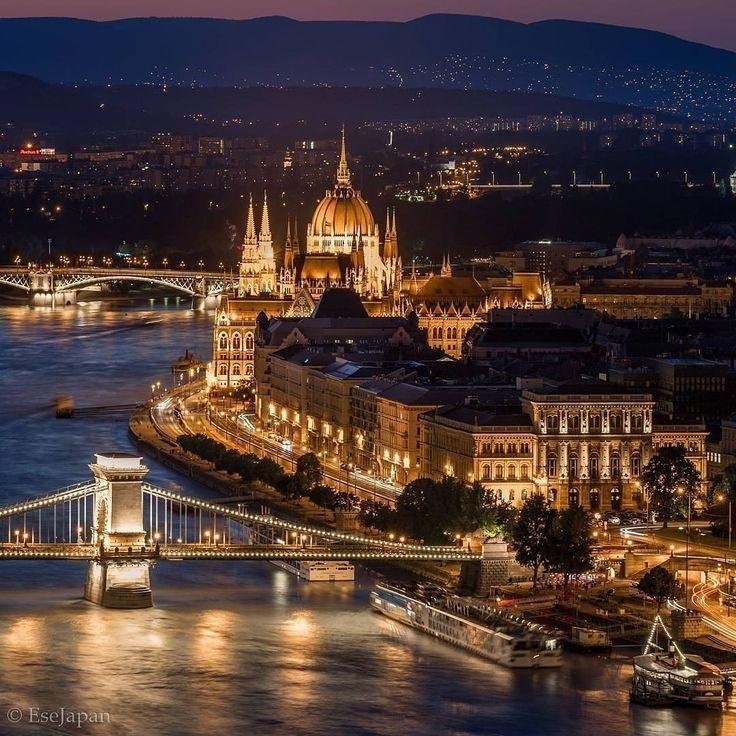 Η γοητεία της νυχτερινής Βουδαπέστης | Φωτογραφία της ημέρας