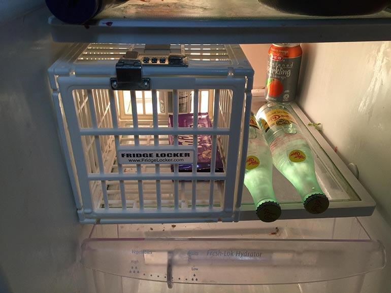 Το απόλυτο gadget για να μην παίρνουν δικά σου πράγματα από το ψυγείο | Φωτογραφία της ημέρας