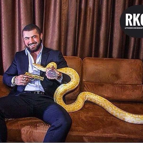 Τα πλουσιόπαιδα της Κωνσταντινούπολης κάνουν επίδειξη του πλούτου τους (14)
