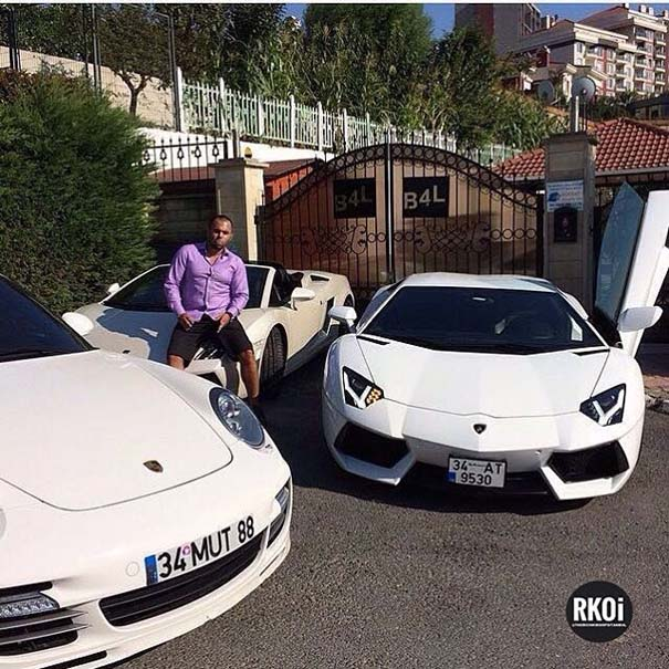 Τα πλουσιόπαιδα της Κωνσταντινούπολης κάνουν επίδειξη του πλούτου τους (19)