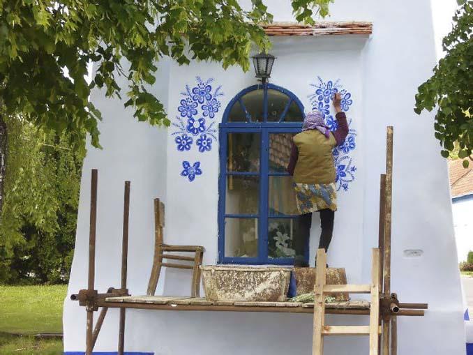 90χρονη γιαγιά μετατρέπει χωριό στην Τσεχία σε έργο τέχνης ζωγραφίζοντας στο εξωτερικό των σπιτιών (6)