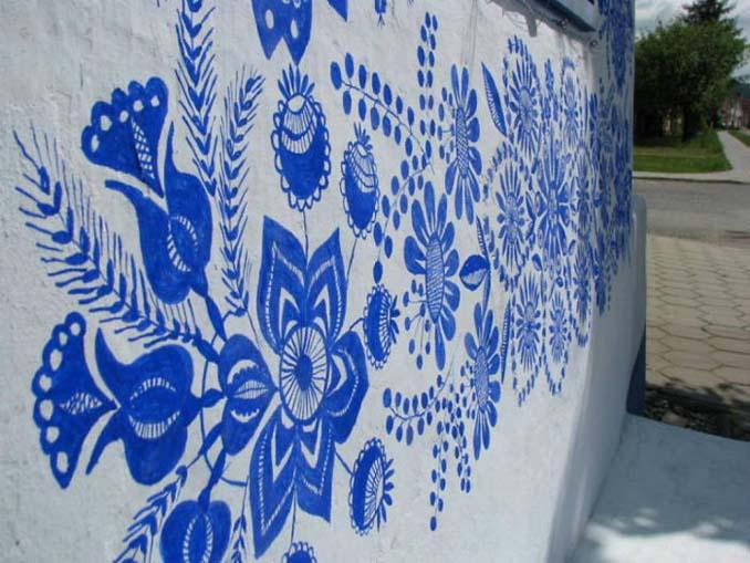 90χρονη γιαγιά μετατρέπει χωριό στην Τσεχία σε έργο τέχνης ζωγραφίζοντας στο εξωτερικό των σπιτιών (9)
