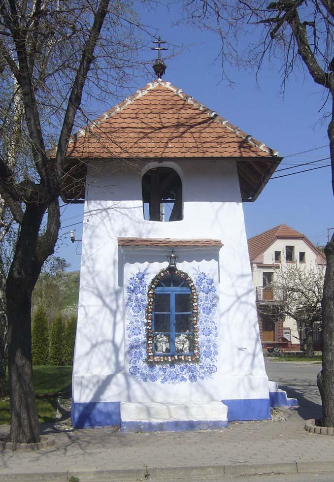90χρονη γιαγιά μετατρέπει χωριό στην Τσεχία σε έργο τέχνης ζωγραφίζοντας στο εξωτερικό των σπιτιών (15)