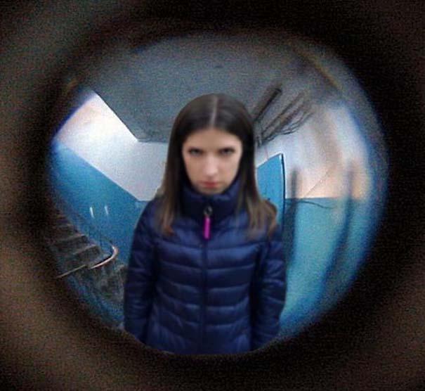 Η τρομακτική Anna Kendrick με την κουκουβάγια της προκάλεσαν ξεκαρδιστικό Photoshop Battle (5)