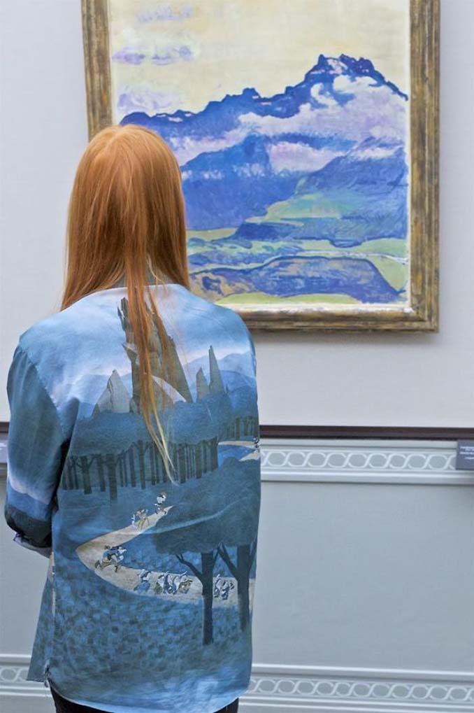 Φωτογράφος αφιερώνει αμέτρητες ώρες περιμένοντας επισκέπτες μουσείων που ταιριάζουν με τα εκθέματα (6)