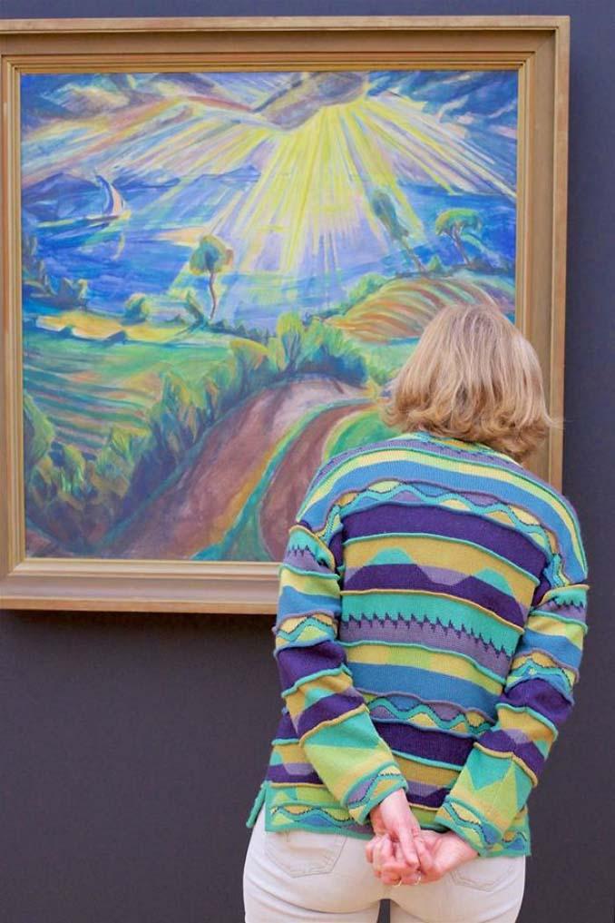 Φωτογράφος αφιερώνει αμέτρητες ώρες περιμένοντας επισκέπτες μουσείων που ταιριάζουν με τα εκθέματα (22)