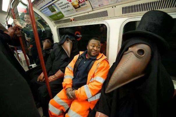 Παράξενες και κωμικοτραγικές φωτογραφίες στα μέσα μεταφοράς #28 (2)