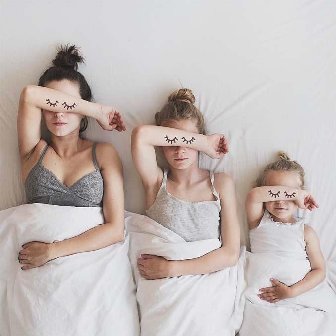 Μητέρα βγάζει απίθανες φωτογραφίες με τις δύο κόρες της φορώντας τα ίδια ρούχα (1)