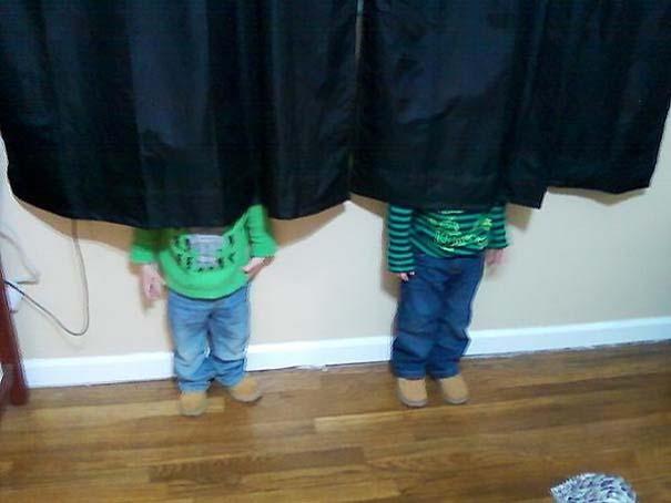 Παιδιά και κατοικίδια που παίζουν κρυφτό με ξεκαρδιστικό τρόπο (2)