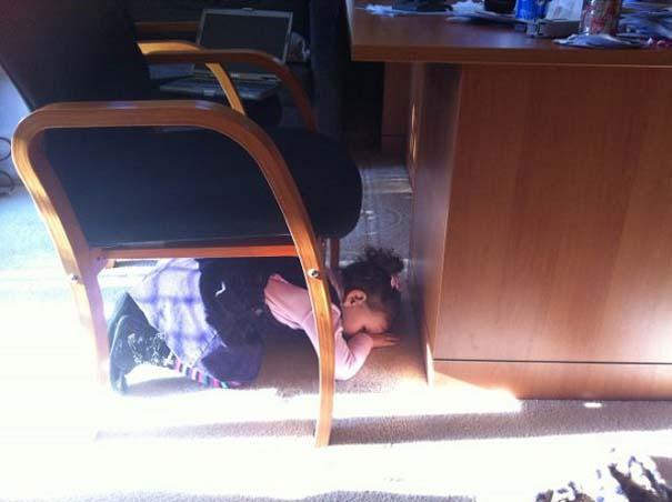 Παιδιά και κατοικίδια που παίζουν κρυφτό με ξεκαρδιστικό τρόπο (11)