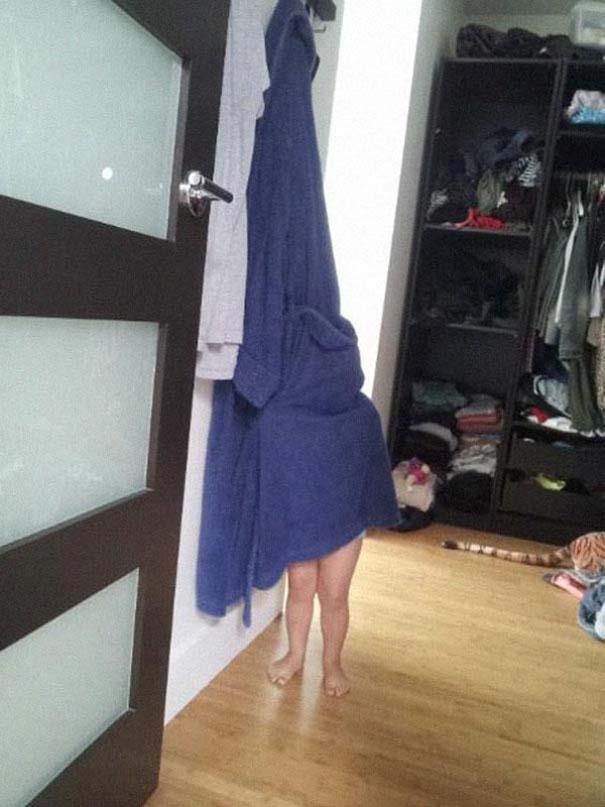 Παιδιά και κατοικίδια που παίζουν κρυφτό με ξεκαρδιστικό τρόπο (18)