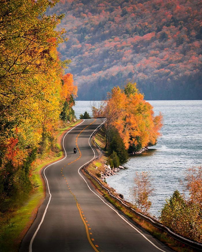 Φθινοπωρινές εκδρομές... | Φωτογραφία της ημέρας