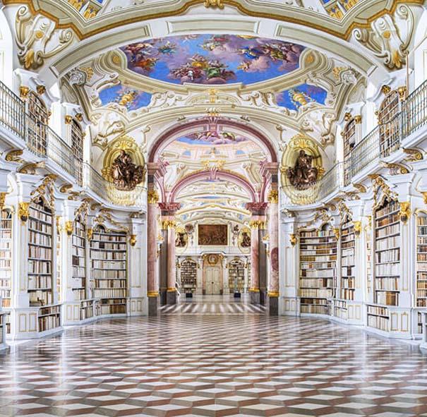 Φωτογράφος καταγράφει τις πιο όμορφες βιβλιοθήκες του κόσμου (1)