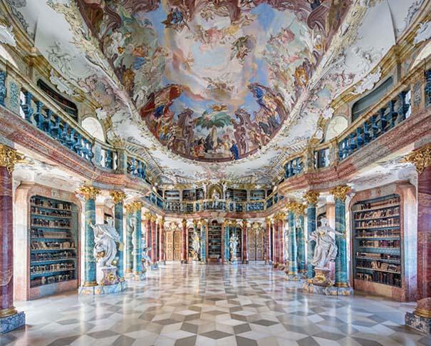 Φωτογράφος καταγράφει τις πιο όμορφες βιβλιοθήκες του κόσμου (6)