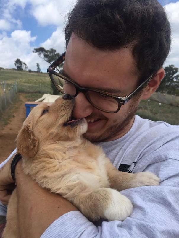 Η πρώτη συνάντηση ανθρώπων με τον σκύλο τους σε φωτογραφίες που θα σας φτιάξουν τη μέρα (22)