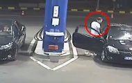 Δείτε τι συνέβη όταν ένας νεαρός αρνήθηκε να σβήσει το τσιγάρο του στο βενζινάδικο