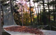 Τραμπολίνο και φθινοπωρινά φύλλα