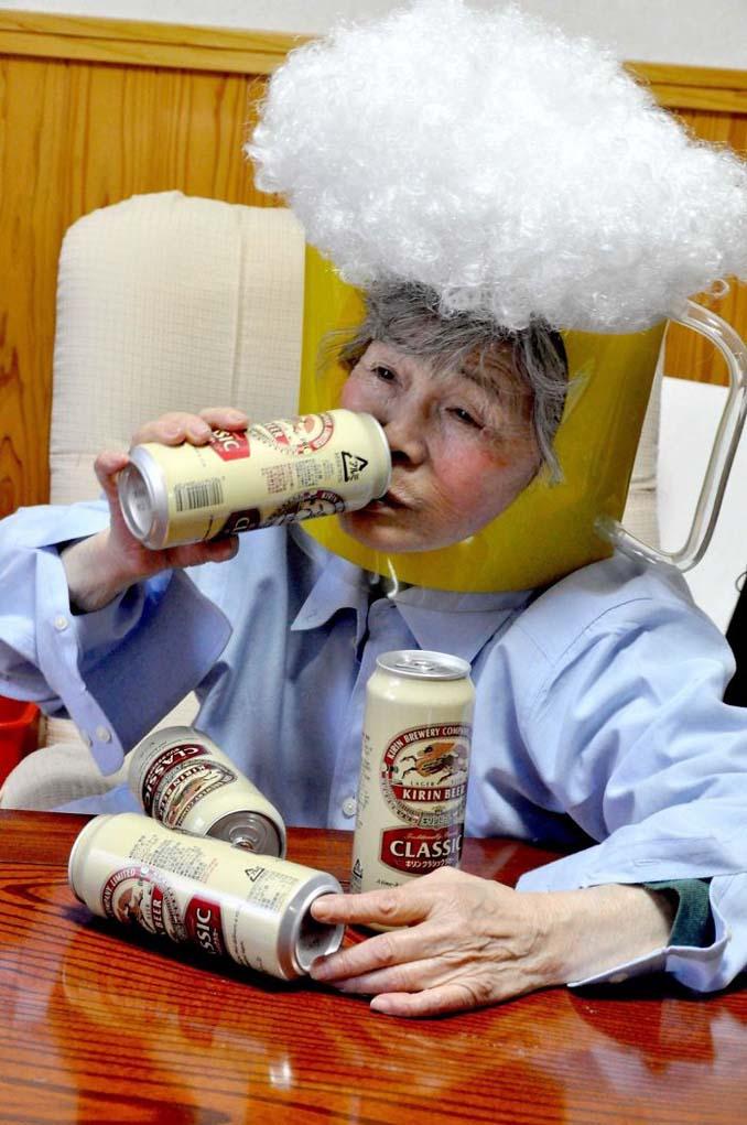 89χρονη γιαγιά από την Ιαπωνία ανακάλυψε τη φωτογραφία και ποζάρει για ξεκαρδιστικά πορτρέτα (8)