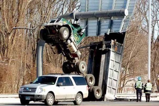 Ασυνήθιστα τροχαία ατυχήματα #44 (2)