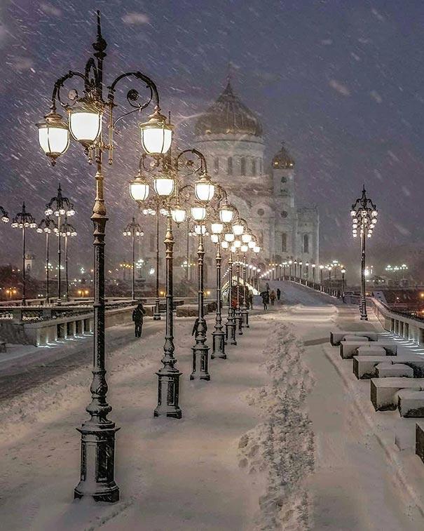 Μια παγωμένη βραδιά στη Μόσχα | Φωτογραφία της ημέρας