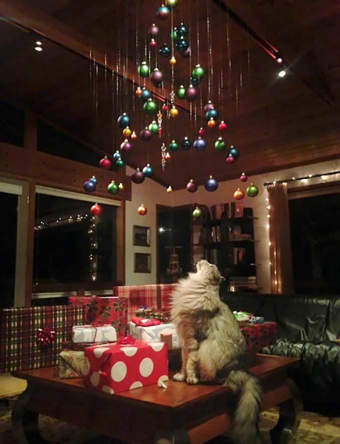 Πως να σώσετε το χριστουγεννιάτικο δέντρο από τα κατοικίδια (4)