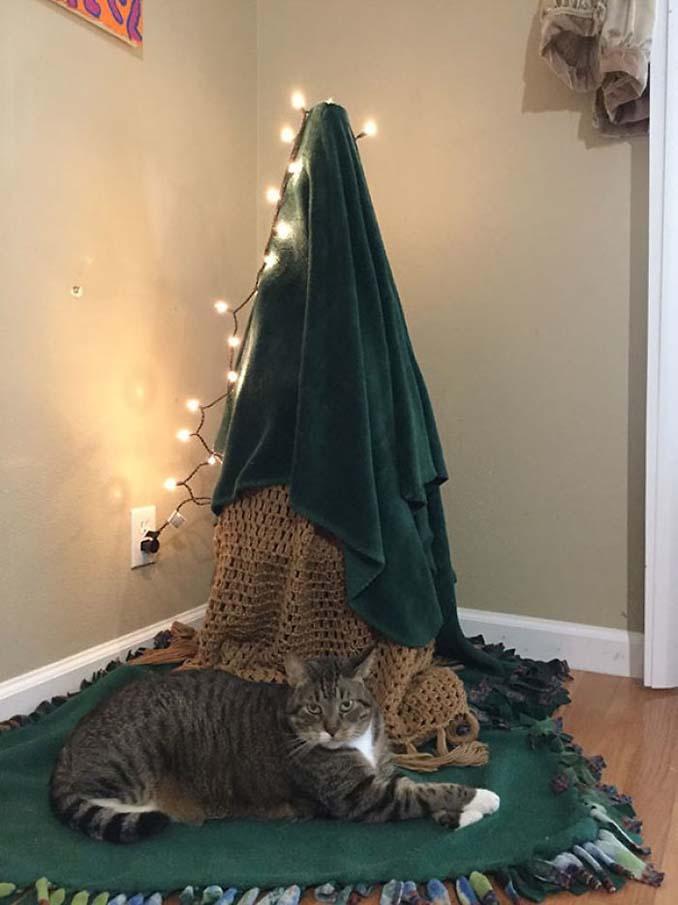 Πως να σώσετε το χριστουγεννιάτικο δέντρο από τα κατοικίδια (17)